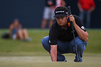Beau Hossler (USA) lines up his putt on 18 during round 4 of the 2019 Houston Open, Golf Club of Houston, Houston, Texas, USA. 10/13/2019.<br /> Picture Ken Murray / Golffile.ie<br /> <br /> All photo usage must carry mandatory copyright credit (© Golffile | Ken Murray)