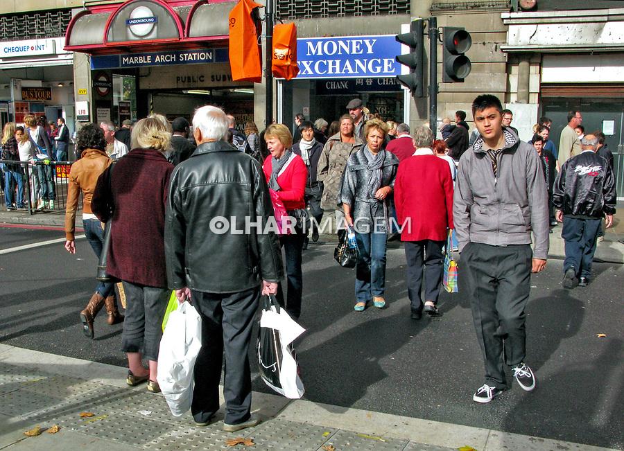 Travessia de pedestres. Londres. Inglaterra. 2008. Foto de Juca Martins.