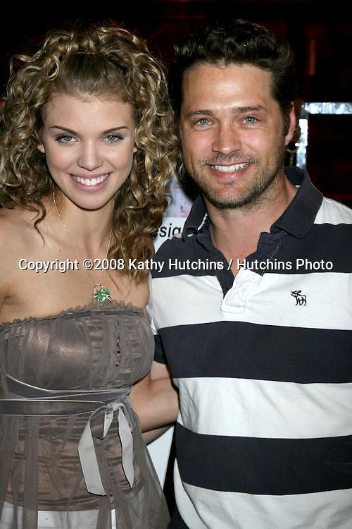 AnnaLynne McCord & Jason Priestley.GBK MTV Movie Awards Gifting Suites .Crimson & Opera.Los Angeles,  CA.May 30, 2008.©2008 Kathy Hutchins / Hutchins Photo .