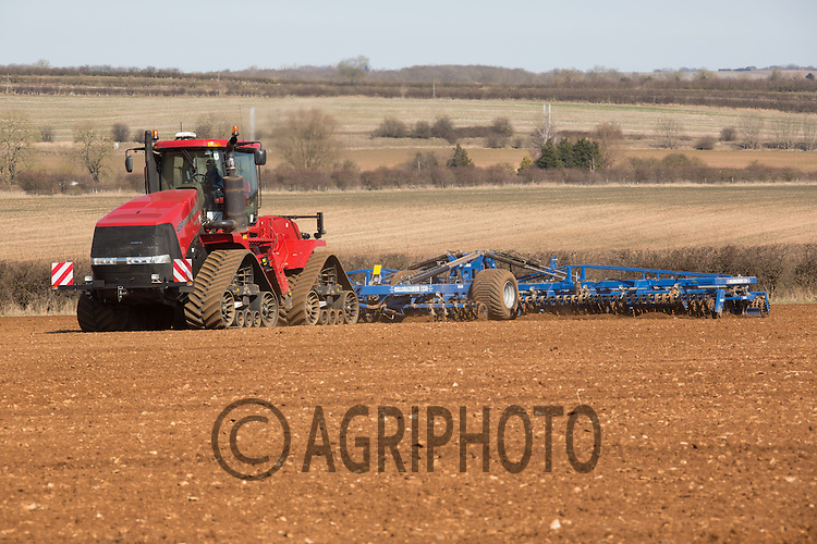 Case Quadtrac 450 with a 12m Dal.bo Rollomaximum working land down ready for drilling sugar beet..Picture Tim Scrivener 07850 303986.tim@agriphoto.com.?.covering agriculture in the UK?.
