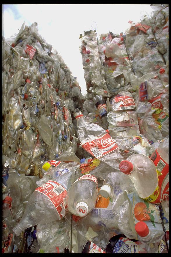 plastic recycling..Geleen, 1996..Foto (c) Michiel Wijnbergh/Hollandse Hoogte