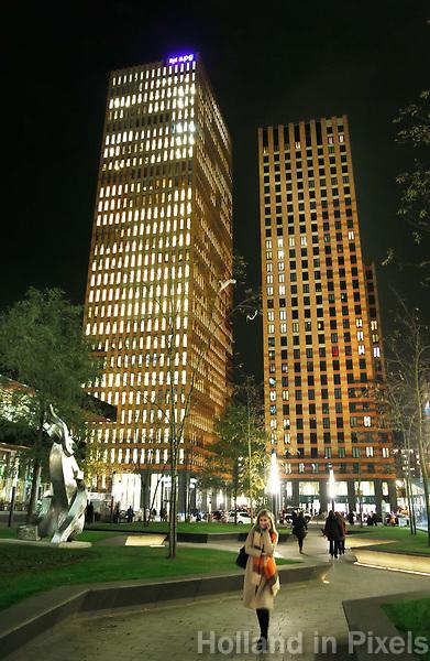 Nederland Amsterdam 2017. Hoogbouw aan de Zuidas. In de linker toren is APG gevestigd . Foto Berlinda van Dam / Hollandse Hoogte