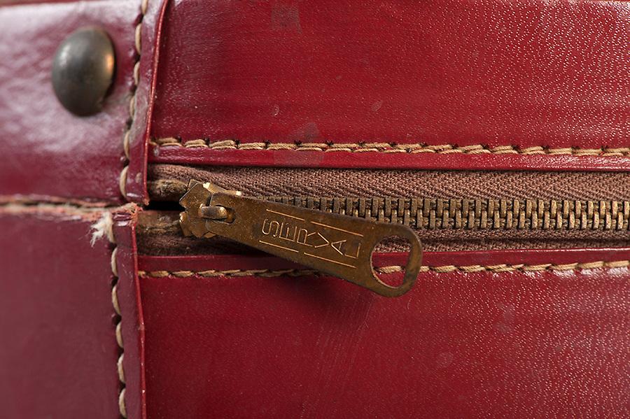 Willard Suitcases / Minnie B / ©2014 Jon Crispin