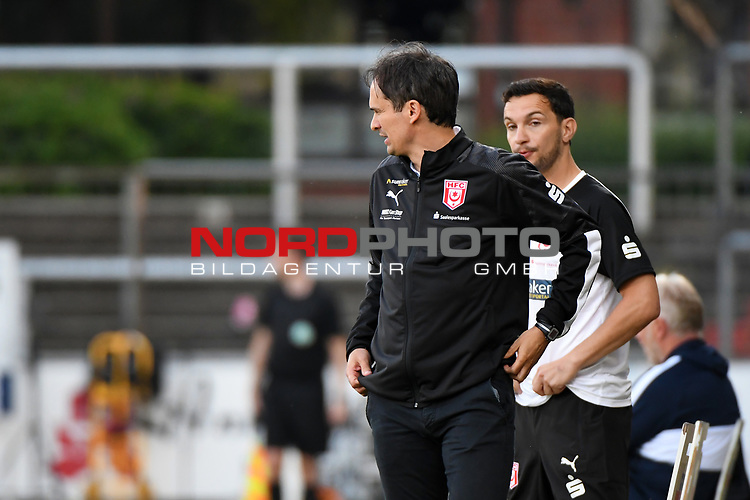 12.06.2020, Hänsch-Arena, Meppen, GER, 3.FBL, SV Meppen vs. Hallescher FC, <br /> <br /> im Bild<br /> Trainer Florian Schnorrenberg (Hallescher FC)<br /> <br /> <br /> DFL REGULATIONS PROHIBIT ANY USE OF PHOTOGRAPHS AS IMAGE SEQUENCES AND/OR QUASI-VIDEO<br /> <br /> Foto © nordphoto / Paetzel