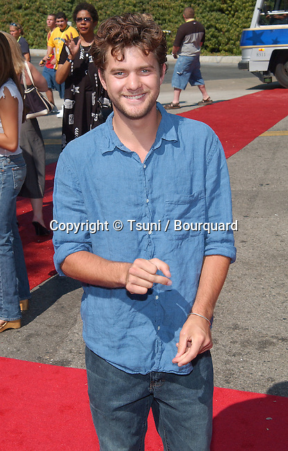 Joshua Jackson arrives at the Teen Choice Awards 2002 held at the Universal Amphitheatre in Los Angeles, Ca., August 4, 2002.           -            JacksonJoshua92.jpg