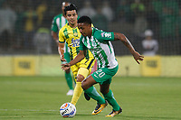MEDELLÍN - COLOMBIA, 05-09-2018: Jeison Lucumi (Der) jugador de Atlético Nacional disputa el balón con Sherman Cardenas (Izq) jugador de Atlético Bucaramanga durante partido por la fecha 8 de la Liga Águila II 2018 jugado en el estadio Atanasio Girardot de la ciudad de Medellín. / Jeison Lucumi (R) player of Atletico Nacional fights for the ball with Sherman Cardenas (L) player of Atletico Bucaramanga during match for the date 1 of the Aguila League II 2018 at Atanasio Girardot stadium in Medellin city. Photo: VizzorImage/León Monsalve/Cont