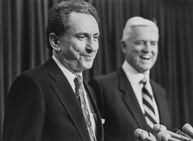 Sen. Arlen Specter, R-Pa., and Sen. Ernest Hollings, D-S.C., at Council on Foreign Relations hearing on Jan. 25, 1993. (Photo by Laura Patterson/CQ Roll Call via Getty Images)