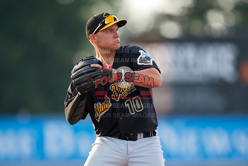 West Virginia Black Bears third baseman Nick Valaika (10) throws to first base during a game against the Batavia Muckdogs on July 2, 2018 at Dwyer Stadium in Batavia, New York.  West Virginia defeated Batavia 3-1.  (Mike Janes/Four Seam Images)