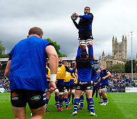 Taulupe Faletau of Bath Rugby wins the ball at a lineout during the pre-match warm-up. Gallagher Premiership match, between Bath Rugby and Gloucester Rugby on September 8, 2018 at the Recreation Ground in Bath, England. Photo by: Patrick Khachfe / Onside Images