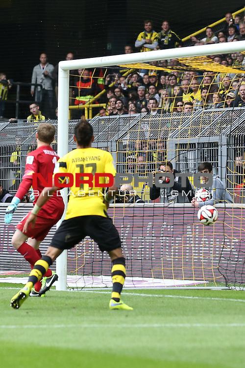 09.05.2015, Signal Iduna Park, Dortmund, GER, 1.FBL, Borussia Dortmund vs Hertha BSC Berlin, im Bild Tor f&uuml;r Borussia Dortmund <br /> <br /> Foto &copy; nordphoto / Rauch