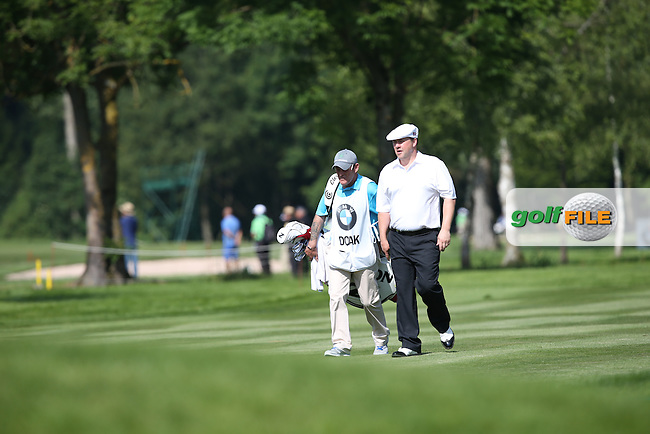 Chris Doak (SCO) and caddie Neil heading down the 7th during Round One of the 2015 BMW International Open at Golfclub Munchen Eichenried, Eichenried, Munich, Germany. 25/06/2015. Picture David Lloyd   www.golffile.ie