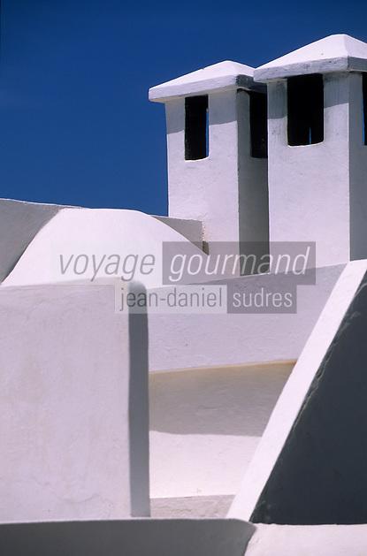 """Afrique/Maghreb/Maroc/Essaouira : Villa maion d'hôtes """"Dar Adul"""" 63 rue Touahen, détail de la terrasse"""