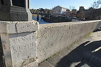 Pons Cestius (Ponte Cestio), Roman stone bridge over the river Tiber, connecting  Tiber Island to Trastevere in Rome, Italy.
