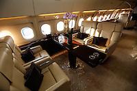 SAO PAULO, SP, 15 AGOSTO 2012 - FEIRA AVICAO - LABACE - 9ª Edição da Feira de Aviação Executiva Latino-Americana (LABACE), realizada no Aeroporto de Congonhas, zona sul da capital paulista, nesta segunda-feira. (FOTO: VANESSA CARVALHO / BRAZIL PHOTO PRESS).