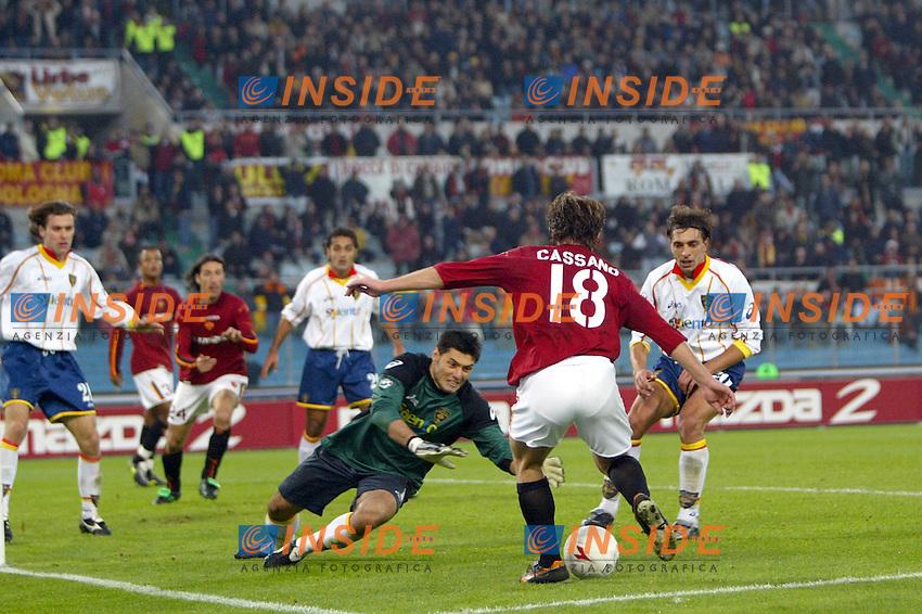 Roma 30/11/2003 <br /> Roma Lecce 3-1<br /> Antonio CASSANOcontro tutta la difesa del Lecce<br /> Foto Andrea Staccioli Insidefoto