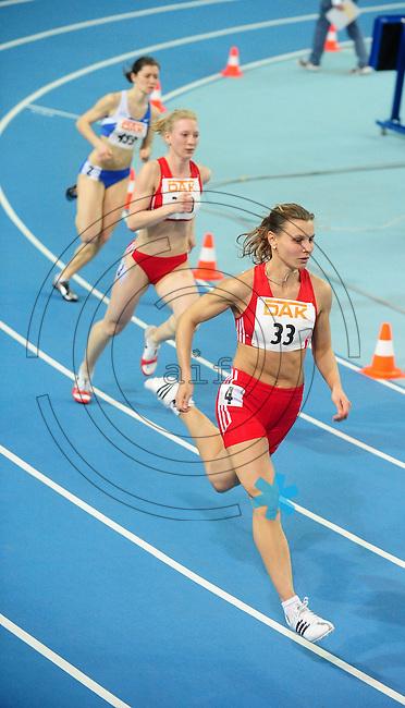 Leichtathletik - DHM 2009 Deutsche Hallenmeisterschaften - ARENA Leipzig - Track and Field - im Bild: 400m Frauen Finale - an der Spitze Claudia Hoffmann (SC Potsdam). Deutsche Meisterin.Foto: Norman Rembarz..Norman Rembarz, Holbeinstr. 14, 04229 Leipzig, Hypo-Vereinsbank, BLZ: 86020086, Kto: 357889472, Ust. ID.: DE 256991963 St. Nr.: 231/261/06432 !!!!!!  Honorar zuzüglich 7 % Mwst !!!!!!!!