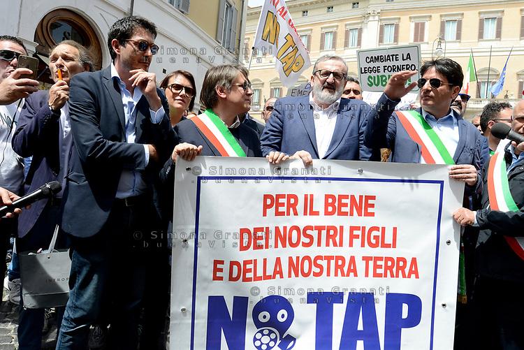 Roma, 11 Maggio 2017<br /> Nicola Fratoianni, Michele Emiliano<br /> Manifestazione a Roma dei Sindaci Salentini a Montecitorio contro il Gasdotto Tap