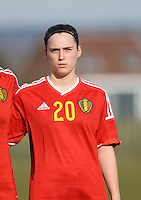 20150307 - TUBIZE , BELGIUM : Belgian Elien Nelissen pictured during the friendly female soccer match between Women under 19 teams of  Belgium and Czech Republic . Saturday 7th March 2015 . PHOTO DAVID CATRY