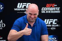 RIO DE JANEIRO, RJ, 29 DE SETEMBRO DE 2013 - UFC / ANDERSON SILVA E CHRIS WEIDMAN- Dana White, presidente do UFC na coletiva de imprensapara a revanche no UFC 168: WEIDMAN vs. SILVA 2, que ocorre no sábado, dia 28 de dezembro, na MGM Grand Garden Arena, em Las Vegas. campeão peso médio do UFC Chris Weidman e o ex-campeão da categoria Anderson Silva visitaram sete cidades em sete dias, em um hotel em Copacabana, na zona sul do Rio de Janeiro. (Foto: Marcelo Fonseca / Brazil Photo Press).