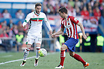 Atletico de Madrid's Lucas Hernandez (r) and Granada Club de Futbol's Ruben Rochina during La Liga match. April 17,2016. (ALTERPHOTOS/Acero)
