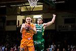 S&ouml;dert&auml;lje 2014-10-01 Basket Basketligan S&ouml;dert&auml;lje Kings - Norrk&ouml;ping Dolphins :  <br /> Norrk&ouml;ping Dolphins Joakim Kjellbom tar en retur nedanf&ouml;r korgen i kamp med S&ouml;dert&auml;lje Kings Aaron Andersson <br /> (Foto: Kenta J&ouml;nsson) Nyckelord:  S&ouml;dert&auml;lje Kings SBBK T&auml;ljehallen Norrk&ouml;ping Dolphins
