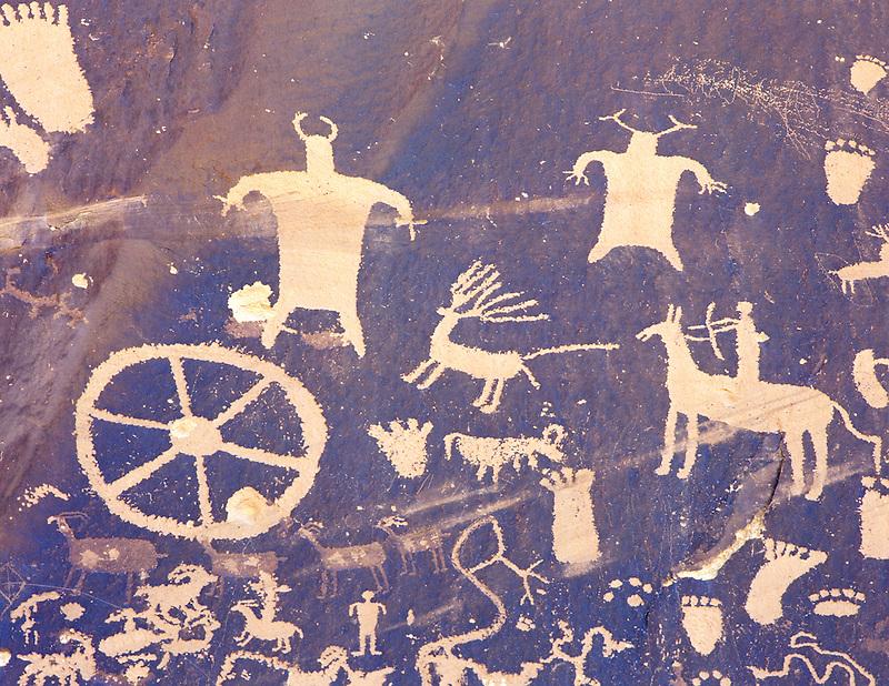 H00082M.tif   Petroglyphs on Newspaper Rock State Historical Monument, Utah