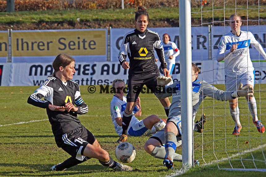 Kristina Kober (HOffenheim) vereitelt die große Chance von Kerstin Garefrekes (FFC) - 1. FFC Frankfurt vs. TSG 1899 Hoffenheim