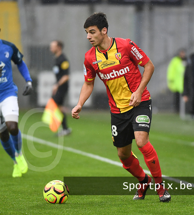 20181124 - LENS , FRANCE : Lens'  Fabien Centonze pictured during the soccer match between Racing Club de LENS and Grenoble Foot 38, on the 15th  matchday in the French Dominos pizza Ligue 2 at the Stade Bollaert Delelis stadium , Lens . Saturday 24 Novembre 2018 . PHOTO DIRK VUYLSTEKE | SPORTPIX.BE