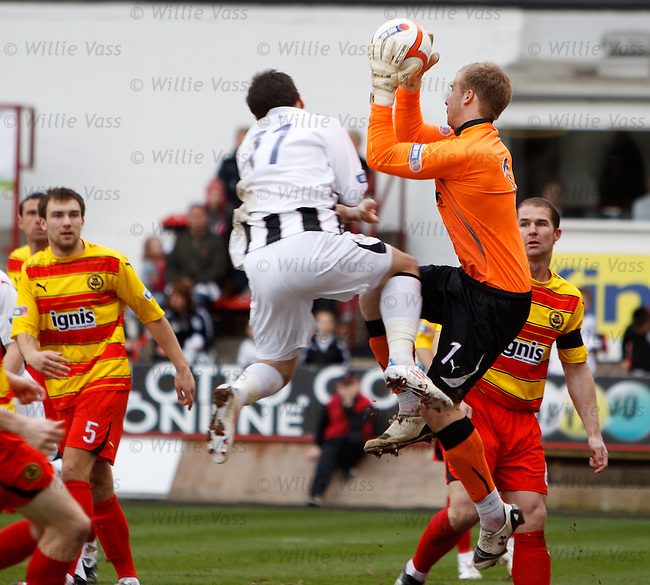 Partick keeper Scott Fox flattened by David Graham