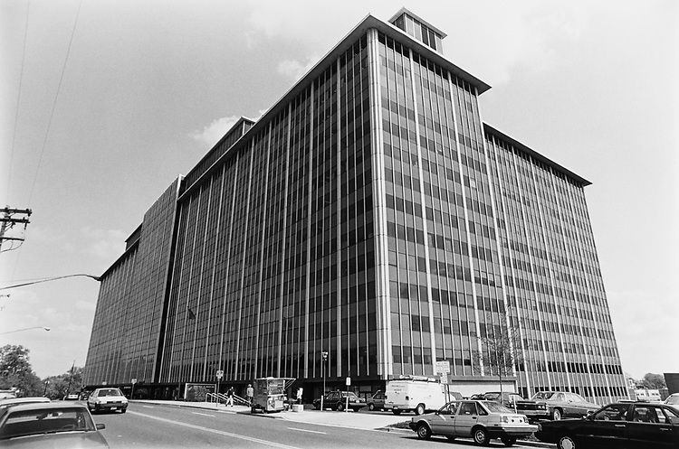 Hubert H. Humphrey Building in Rockville. Headquarter for the Food and Drug Administration pesticides and Department of Health and Human Services, on May 21, 1992. (Photo by Chris Ayers/CQ Roll Call via Getty Images)