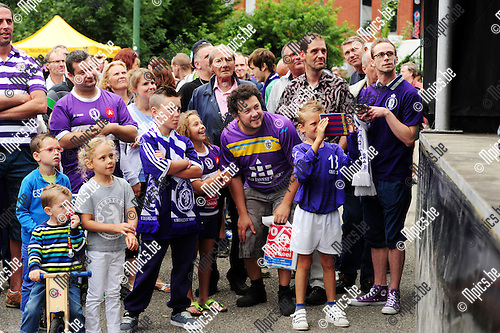2014-07-21 / Voetbal / seizoen 2014-2015 / Fandag Beerschot-Wilrijk / Veel volk voor het podium waar de spelers werden voorgesteld<br /><br />Foto: mpics.be