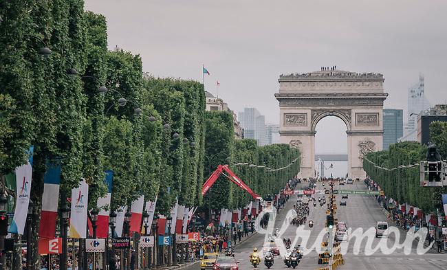 peloton racing on the iconic Champs-Elys&eacute;es again for the 104th Tour de France 2017<br /> <br /> Stage 21 - Montgeron &rsaquo; Paris (105km)