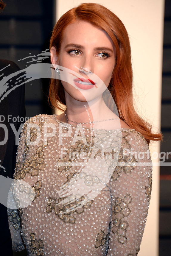 Emma Roberts attends the 2017 Vanity Fair Oscar Party hosted by Graydon Carter at Wallis Annenberg Center for the Performing Arts on February 26, 2017 in Beverly Hills, California.