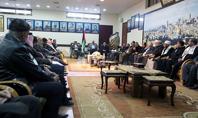Palestinian Prime Minister in Gaza strip Ismail Haniyeh meets with the members of European aid convoy at his home in Gaza city on 09 January 2013. Photo by Mohamed Ostaz