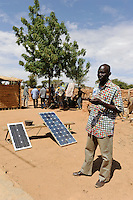 BURKINA FASO Dori, Photovoltaic panel in village / BURKINA FASO Dori, Nutzung von Photovoltaik in einem Dorf