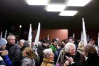 Varese: gente partecipa ad incontro organizzato dalla Lega Nord Varese per sostenere Roberto Maroni