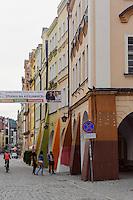 Stra&szlig;e 1Go Maja in Jelenia Gora (Hirschberg), Woiwodschaft Niederschlesien (Wojew&oacute;dztwo dolnośląskie), Polen, Europa<br /> 1goMaja st. in Jelenia Gora, Poland, Europe