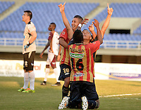 PEREIRA -COLOMBIA-16-11-2014. Fernan Zapata jugador Aguilas Pereira celebra su gol anotado a Deportes Tolima durante partido por la fecha 1 de los cuadrangulares finales de la Liga Postobon II 2014 jugado en el estadio Hernán Ramírez Villegas de Pereira./ Fernan Zapata player of Aguilas Pereira celebrates after scoring a goal to Deportes Tolima during match for the first date of the final quadrangular of the  Postobon League II 2014 played at Hernan Ramirez Villegas of Pereira city.  Photo:VizzorImage/ CONT