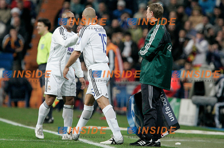 Real Madrid's Roberto Carlos is substituted by Raul Bravo during UEFA Champions League match at Santiago Bernabeu stadium in Madrid, Tuesday February 20, 2007. (ALTERPHOTOS/Alvaro Hernandez).
