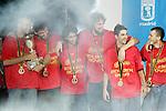 Spain National Team players fltr, Carlos Jimenez, Jorge Garbajosa, Berni Rodriguez, Pau Gasol, Juan Carlos Navarro and Sergio Rodriguez during the celebration after winning the World Championships Baskeball in Madrid, Monday September 04 2006. (ALTERPHOTOS/Alvaro Hernandez).