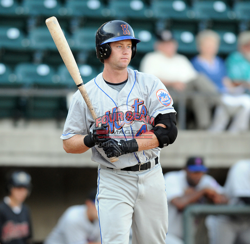 August 2, 2009: Outfielder Kurt Steinhauer (4) of the Kingsport Mets, rookie Appalachian League affiliate of the New York Mets, in a game at Pioneer Park in Greeneville, Tenn. Photo by:  Tom Priddy/Four Seam Images