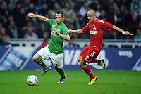 FUSSBALL   1. BUNDESLIGA   SAISON 2011/2012    12. SPIELTAG SV Werder Bremen - 1. FC Koeln                              05.11.2011 Markus ROSENBERG (li Bremen) gegen Miso BRECKO (re, Koeln)