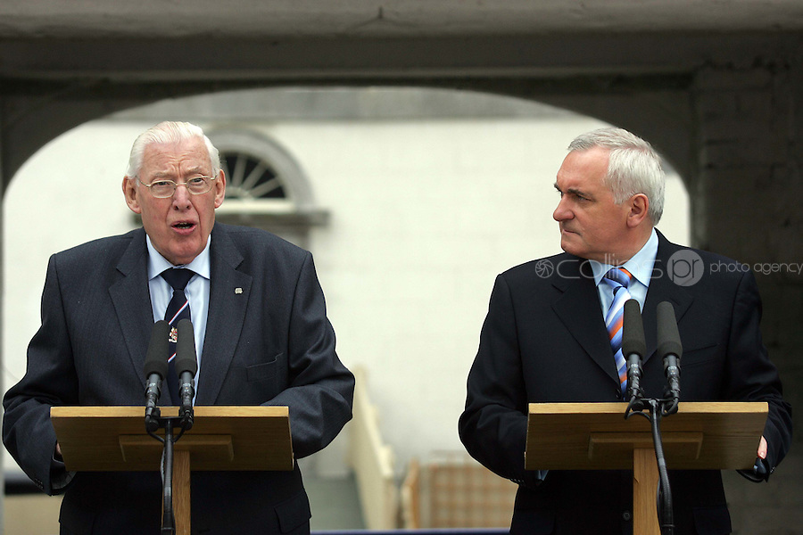 11/05/07 Dr. Ian Paisley with Taoiseach, Bertie Ahern this morning pictured at Oldbridge House, the site of the Battle of The Boyne in 1690....Picture Collins, Dublin, Colin Keegan.