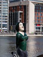 Bibliothek Centrale OBA am Oosterdok Hafen, Amsterdam, Provinz Nordholland, Niederlande<br /> Central Library OBA at  Oosterdok harbour, Amsterdam, Province North Holland, Netherlands