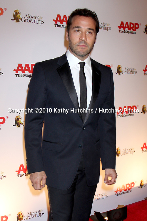 Jeremy Piven.arriving at the Ninth Annual AARP the Magazine`s Movies for Grownups Awards Gala .Beverly Wilshire Hotel.Beverly Hills, CA.February 16, 2010.©2010 Kathy Hutchins / Hutchins Photo....