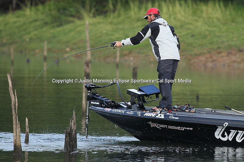 August 22, 2015: Stetson Blaylock fighting a bass on day three of the Forrest Wood Cup on Lake Ouachita in Hot Springs, AR. Justin Manning/ESW/CSM
