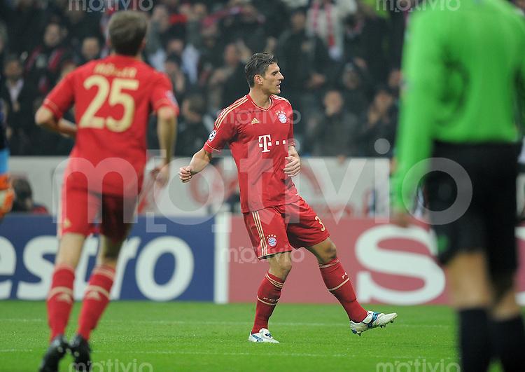 FUSSBALL   CHAMPIONS LEAGUE   SAISON 2011/2012     02.11.2011 FC Bayern Muenchen - SSC Neapel JUBEL FC Bayern; Mario Gomez