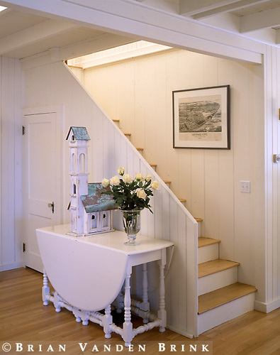 Designer: Hutker Architects.Carrol Res.Oak Bluffs-MV, Ma..