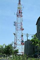 Degrado ambientale. Environmental degradation.Antenna Rai nell'antico borgo di Fumone.Rai aerial in the old village of Fumone....