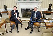 United States President Barack Obama, right, holds a bilateral meeting with Prime Minister Matteo Renzi of Italy, left, in the Oval Office of the White House on April 17, 2015 in Washington, DC. This is PM Renzi's first official visit to the Capital as Italian prime minister.<br /> Credit: Olivier Douliery / Pool via CNP